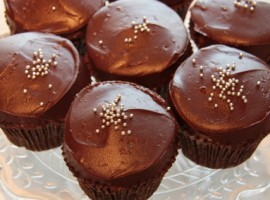 Jocelyn's Chocolate Butter Cake Cupcakes!